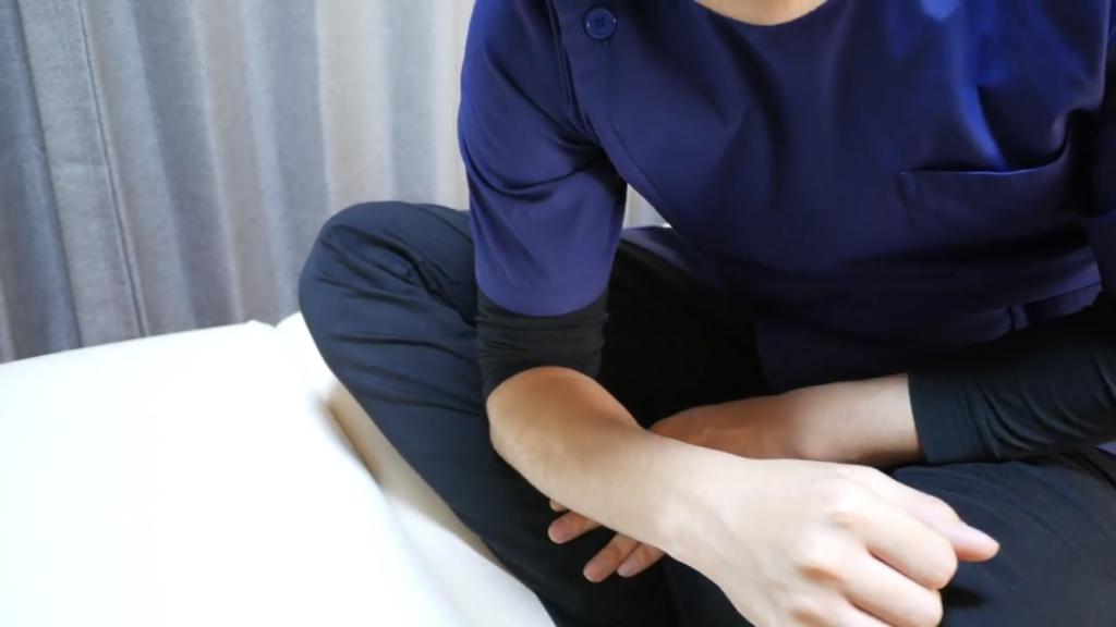 膝痛のセルフマッサージ