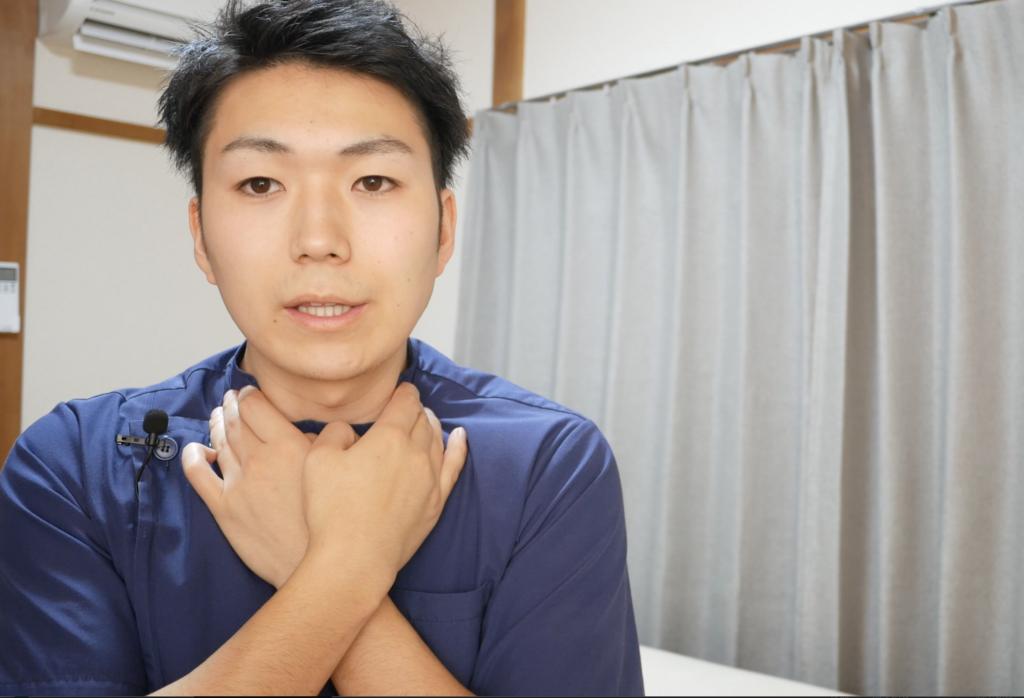 腰痛に関連する首のマッサージ